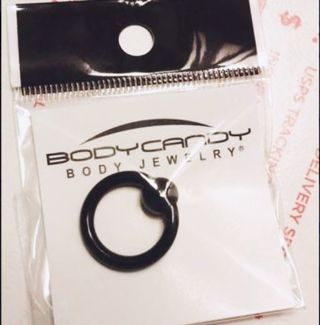1 NEW Body Candy 8 Gauge Captive Ring For Piercing Nose Ears Prince Albert Body Jewelry