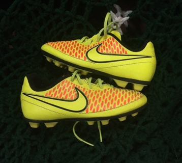 Nike Cleats Boys Shoes Size 13c Magista Soccer Cleat FREE SHIPPING