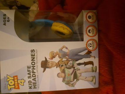 Brand new Disney Toy Stry 4 Headphones free shipping