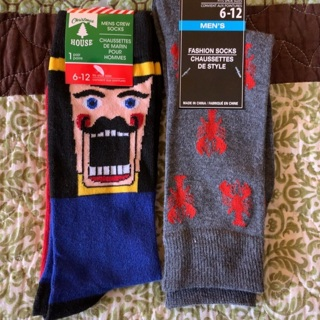 2 Pairs Men's Socks One Nutcracker and one Lobsters NWT