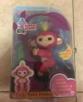 BNIP Fingerlings Pink Bella+ 1 FREE MYSTERY ITEM