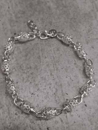 Pretty Silver Bracelet- with a stamp 925 marked on it!