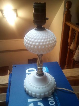FENTON GLASS CO. ANTIQUE. HOBNAIL MILK GLASS LAMP 1930S.MADE IN WILLIAMSTOWN WV.