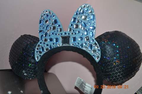 ****ADULT GENUINE DISNEY'S MINNIE MOUSE EARS (BLUE SEQUINS)***FREE SHIPPING