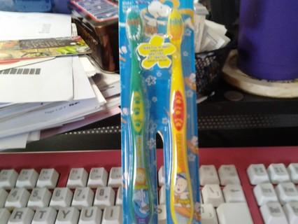 Childrens 2-Pack Firefly Toothbrushes BNIP