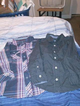 2 baby boy button down shirt size 2T