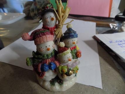 Resin family of 4 snowmen