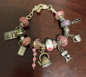 Vtg Cooking Themed Charm Bracelet! 7 Amazing Charms!