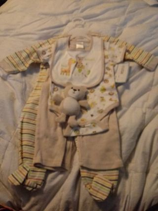 New Cutie Pie Layette Set