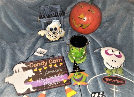 Sp@@ky Halloween Lot Free Shipping