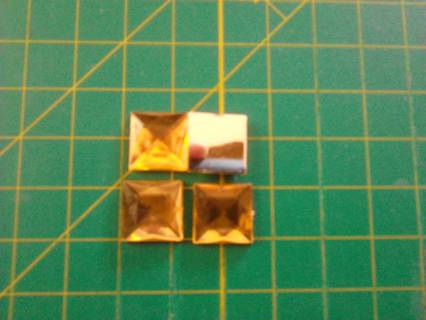 4 GOLD 15MM FLATBACK RHINESTONE SQUARES #1 – GIN ONLY