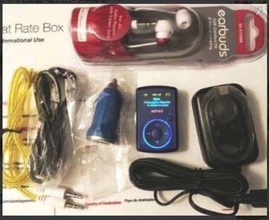 SanDisk Sansa Clip MP3 Player PLUS Accessories Bundle FREE SHIPPING