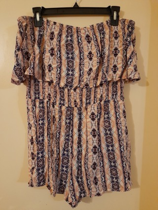 """Sleeveless Romper type outfit from """"Rue 21"""".  Size XL."""