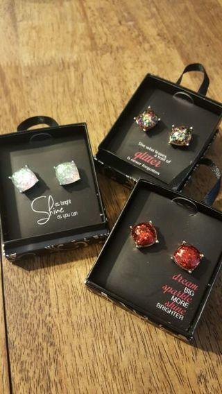 Large Glitter Earrings in Gift Box - WINNER PICKS Color