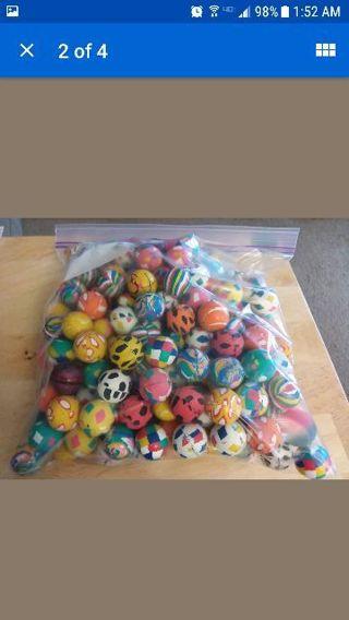 208 Bouncy Balls!!