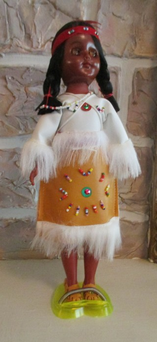 BEAUTIFUL INDIAN DOLL WITH PAPPOOSE ON BACK