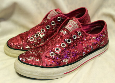331202d90dbc FREE  GET YOUR PINK ON~~WOMEN S PINK SPARKLE AND SEQUINS CONVERSE ONE STAR  SNEAKERS~SZ. 7 1 2~EC!!