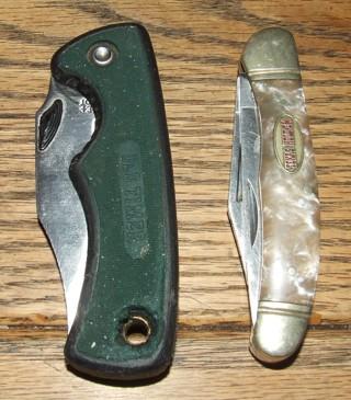 Lot of 2 Pocket Knives Texas Hold em Old Timer