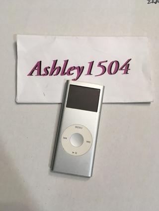 apple ipod mp3 player 2GB
