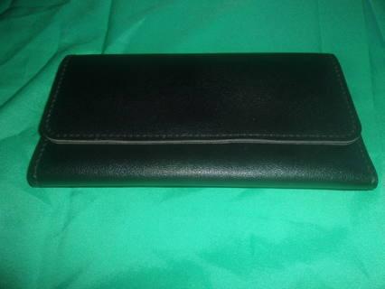 Women's Black Tri-Fold Clutch Wallet