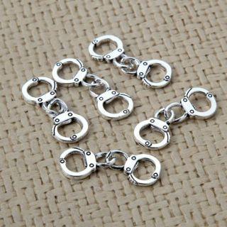 [GIN FOR FREE SHIPPING] 20PCs Cute Mini Handcuffs Charm Pendant Tibetan Silver Beads DIY