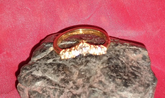 RING NATURAL DIAMONDS AND 14K YELLOW GOLD CHEVRON STYLE AROUND HALF A CARAT LOOK WOW!