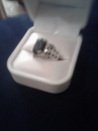 SS size 6 onyx and white sapphire ring