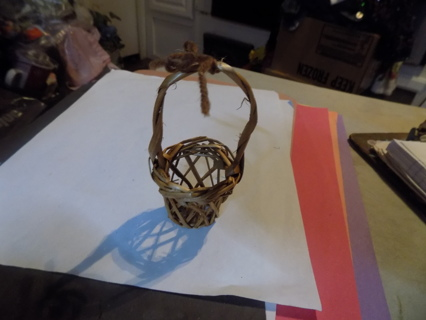 4 inch tall mini woven basket with long handle