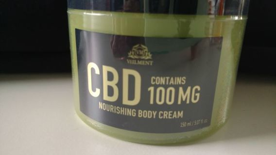 1 brand new Veilment 100 mg 5 full oz cbd body cream  Avon rv 28