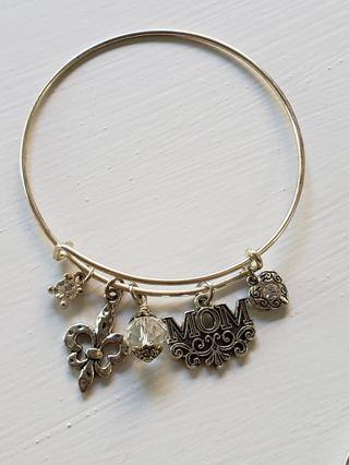 Alex & Ani Style~Mom~ fleur de lis, heart~ Crystal bracelet