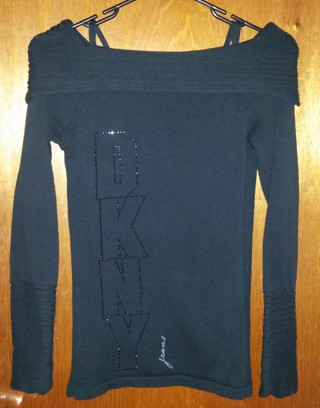 BLACK DNKY JEANS LONG SLEEVE SCOOP TUTRLE NECK SWEATER - XS SMALL