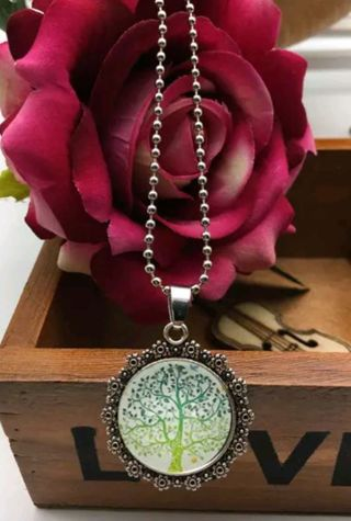 **** TREE OF LIFE NECKLACE **** FREE SHIPPING ****