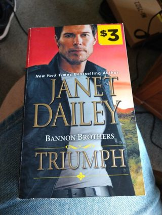 Triumph by Janet Dailey (paperback)