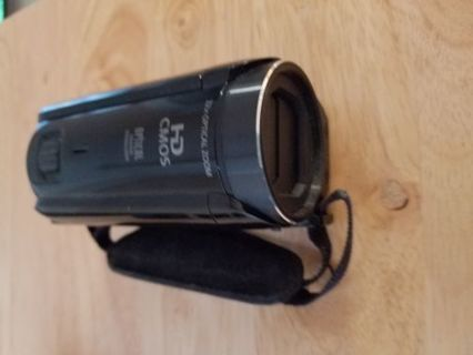 Canon HF R700 Camera with batteries and AD card