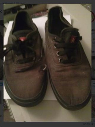 1 pair old solid black LEVIS shoes