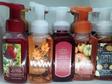 Bath and Body Works handcare lot of soap and hand sanitizers!