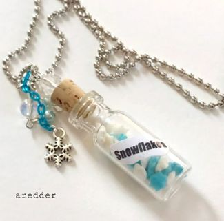 ¥☆ Bottle of Snowflakes Charm Necklace Holiday NEW ☆¥