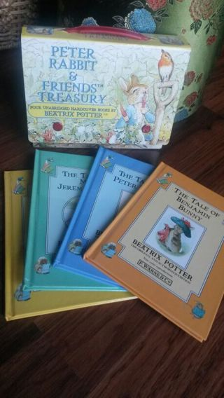 PETTER RABBIT & FRIENDS treasury 4 books in carrying case