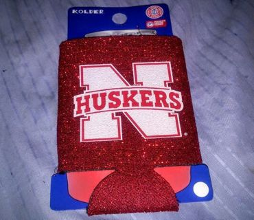 GO BIG RED!! Nebraska Cornhuskers Can Coozy BNWT