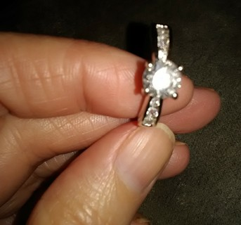 Pretty silver tone engagement ring