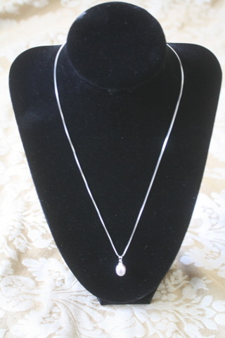 Lavendar Fresh Water Pearl Necklace & Earring Set