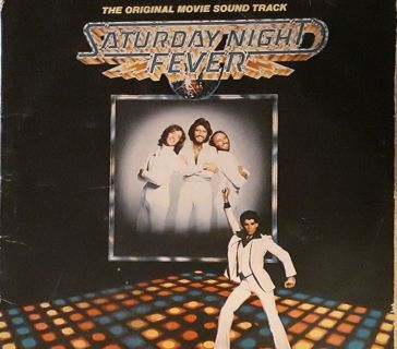ORIGINAL1977 Saturday Night Fever Soundtrack featuring the Bee Gees Double Album Set!