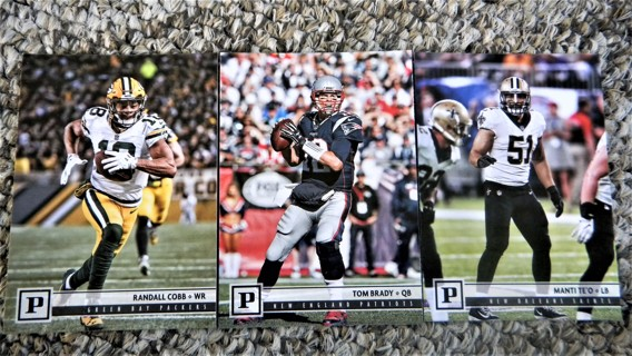 6 Panini 2018 Football cards {See Pics}