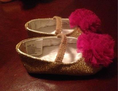 Gymboree size 2 gold infant shoes