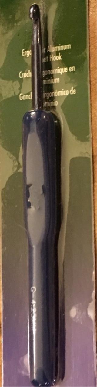 BOYE ERGONOMIC ALUMINUM CROCHET HOOK...US G/4.25 mm ...NEW IN PACKAGE!!!