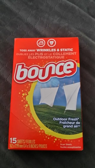 Brand New Small Box of 15 BOUNCE Dryer Sheets / Free Shipping / (2 TIDE POD BONUS W/GIN)