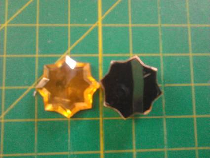 2 GOLD STARBURST FLATBACKS, 1 INCH - GIN ONLY