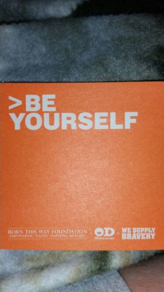 Post it notes >be yourself