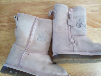Size 7 Baby Gap Boots: GUC