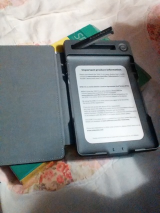 3-in-1Kindle Solar Cover